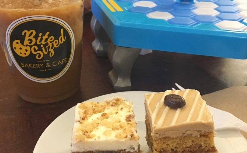 Rich @cafemoto Vanilla cold chest, Banana chocolate cake, Peppermint Espresso Moc …